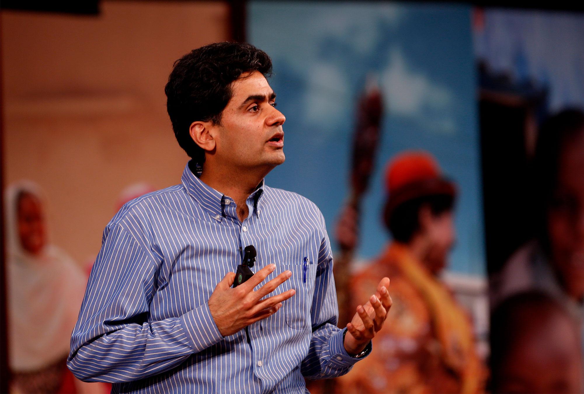 Iqbal Dhaliwal presenting