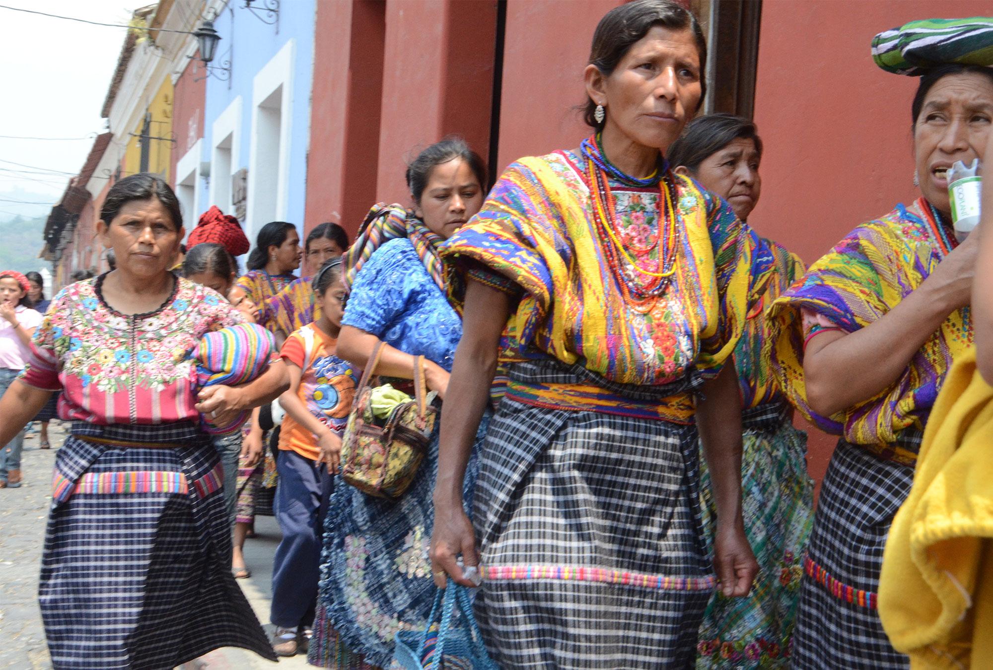 Women in colorful Guatemalan clothing