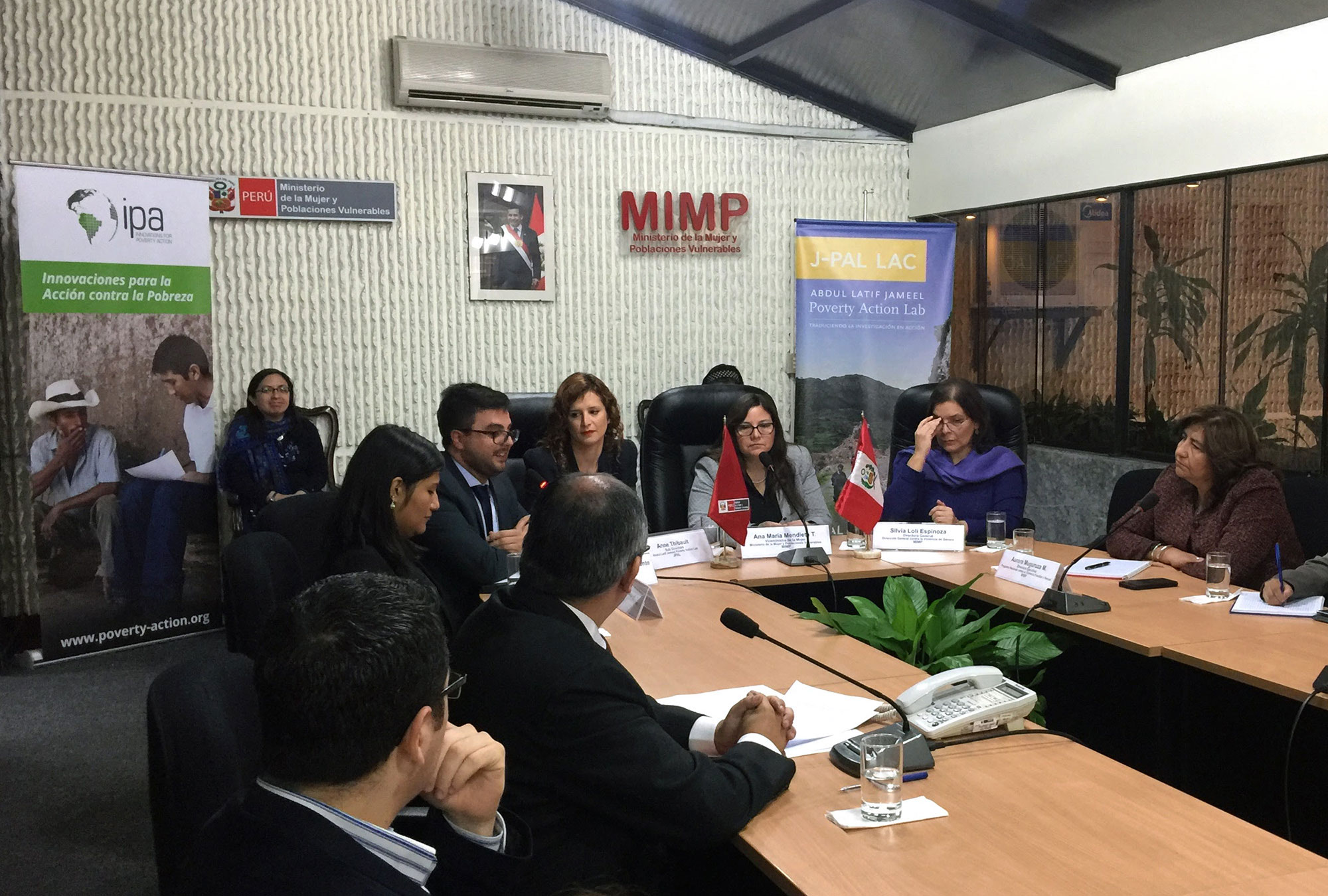 Meeting between J-PAL LAC and MIMP