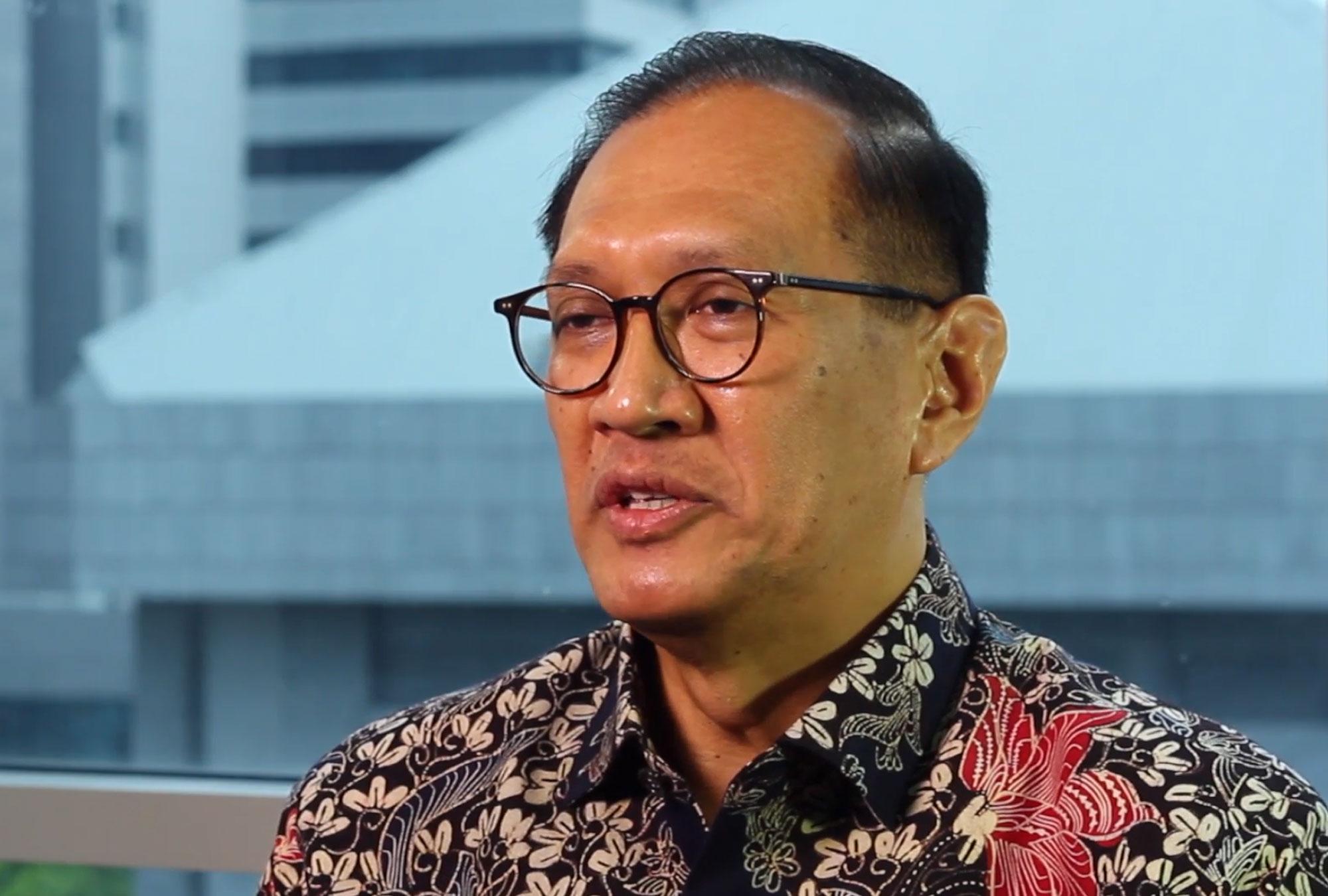 Bambang Widianto being interviewed